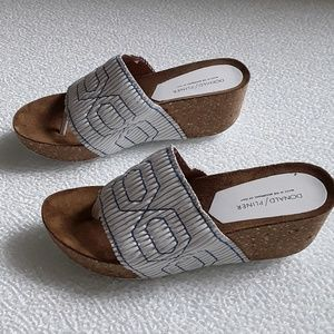 Donald J Pilner white & blue Gess slide sandals